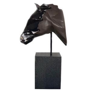 مجسمه دستساز اسب