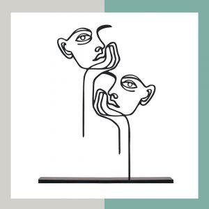 مجسمه فلزی دو چهره